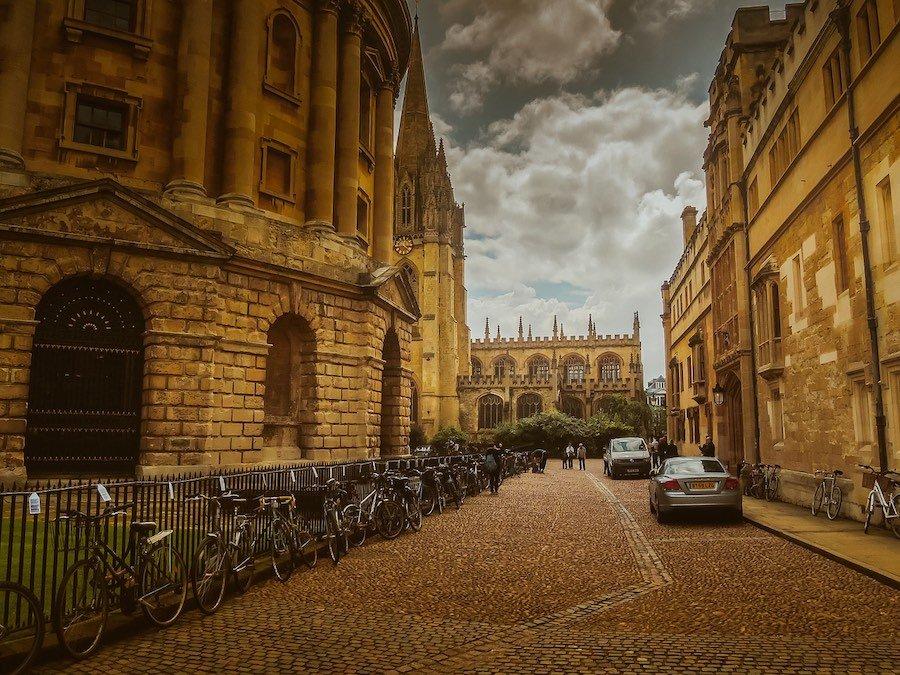 Oxford univerzita kolej
